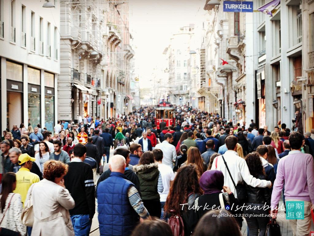 伊斯坦堡的人實在是多到誇張.jpg