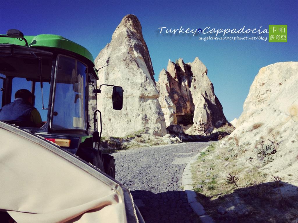 坐上登山車準備去國王峽谷吃早餐.jpg