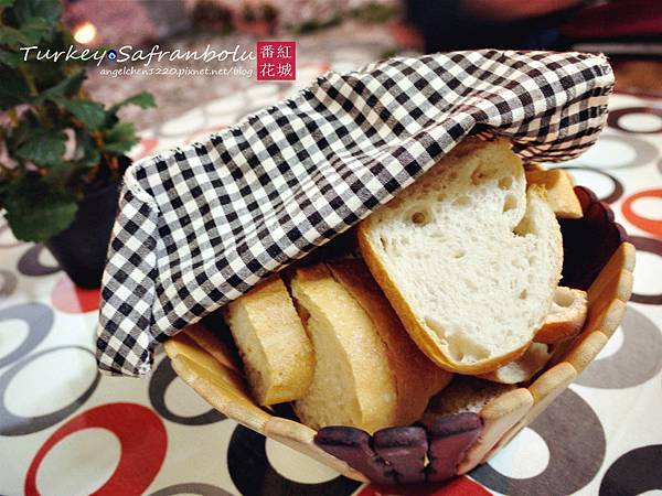 Zencefil餐前麵包.jpg