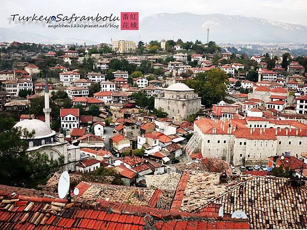 從山丘上可以看見整座番紅花城.jpg