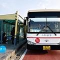 公車站牌和市外巴士.jpg