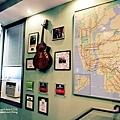 Budget Inn Common Room-2.jpg