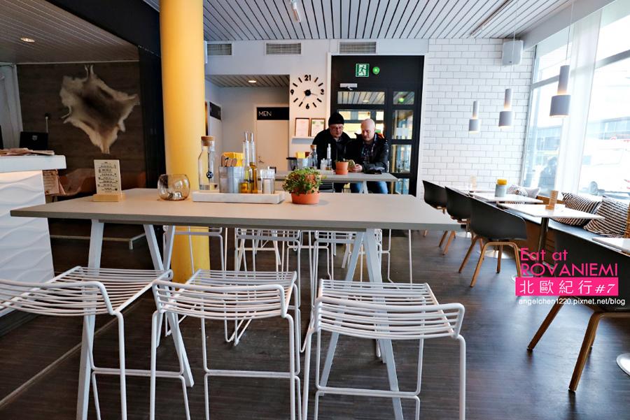 cafe&bar 21-2.jpg