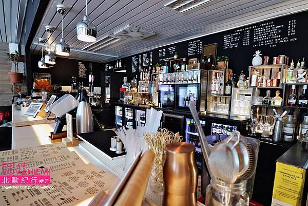cafe&bar 21-6.jpg