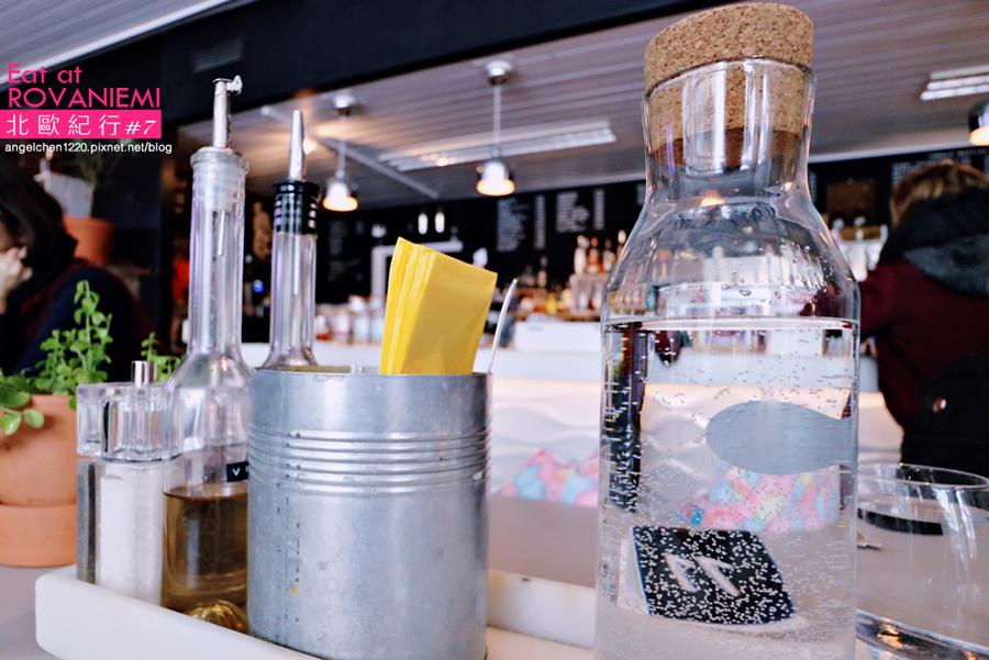 cafe&bar 21-9.jpg
