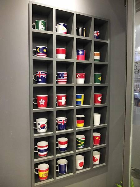 茶杯牆.jpg