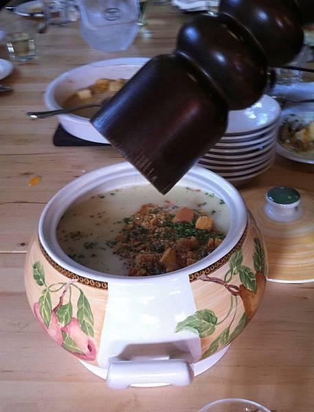奶油白花椰菜湯.jpg