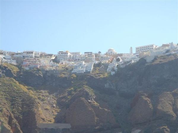 建在懸崖上的白房子.JPG