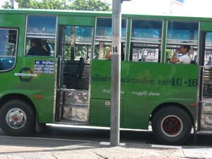 沒冷氣的bus.JPG