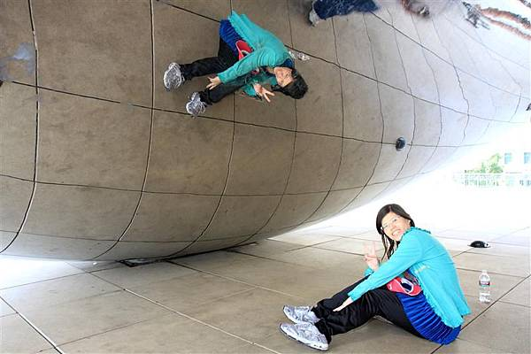 Millennium park _Cloud Gate (10).JPG