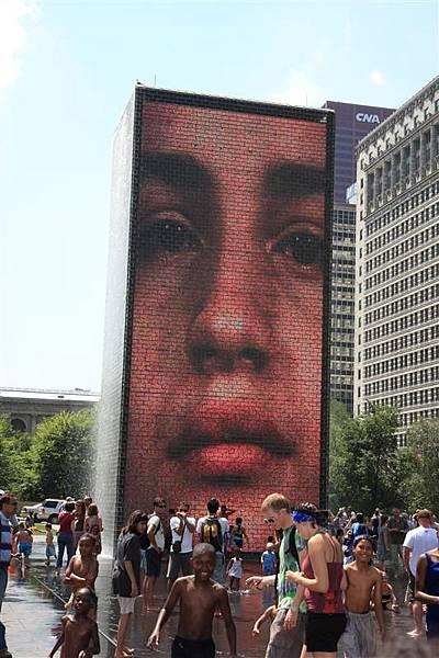 Millennium park _Crown Fountain 1.JPG