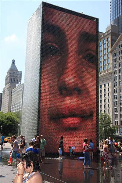 Millennium park _Crown Fountain 2.JPG