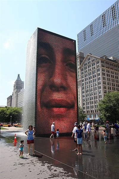 Millennium park _Crown Fountain 3.JPG
