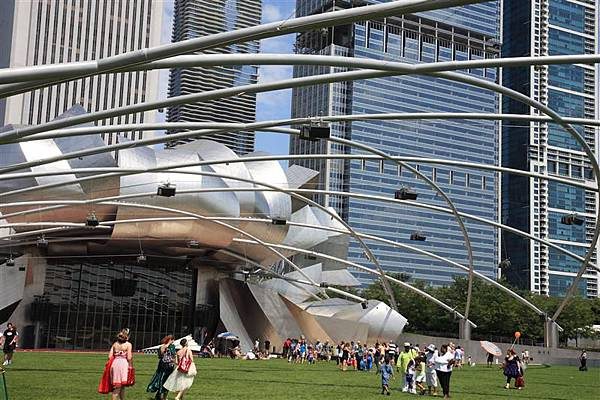 Millennium park _Jay Pritzker Music Pavilion 5.JPG