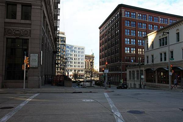 Milwaukee street 05.JPG