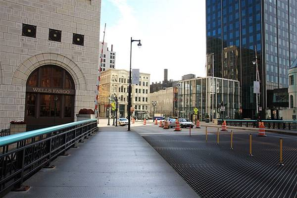 Milwaukee street 10.JPG