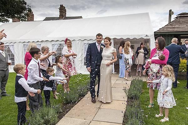 marquee-wedding-1070209_960_720.jpg