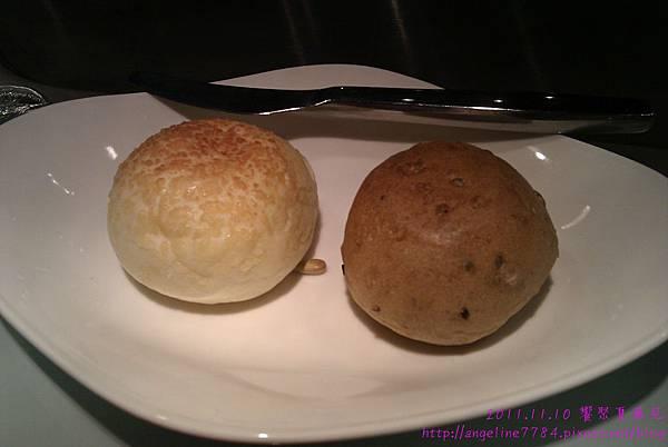 帕瑪森起司麵包及雜糧麵包