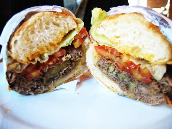 小柯的~烤牛肉三明治
