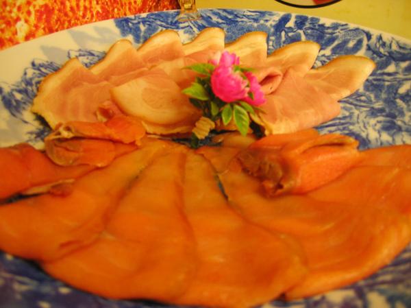 煙燻鮭魚and火腿的樣子