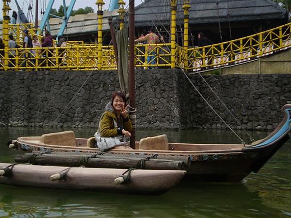 P3290345 老人來坐獨木舟了.jpg