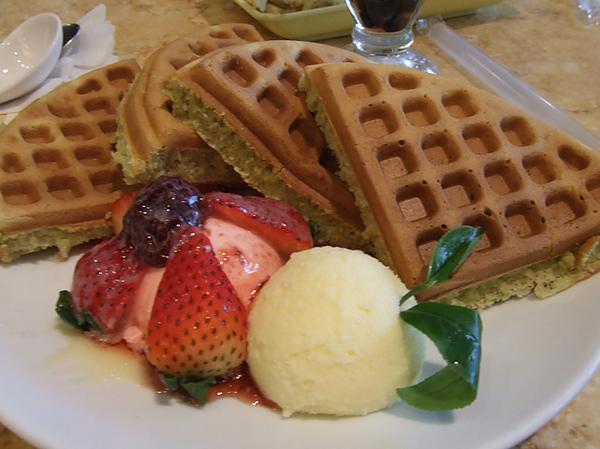 草莓抹茶鬆餅