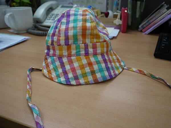 20120702乾媽Anita送的小帽子