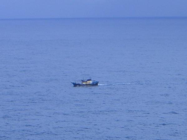汪洋中的一條船