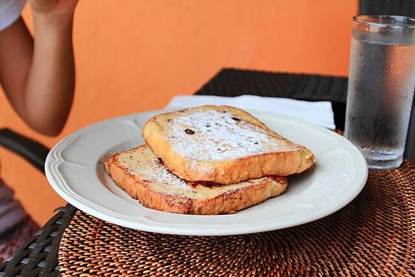 這邊早餐要額外點,這個法式吐司180P