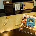 分飯店索取的Guide~者是書桌兼梳妝台