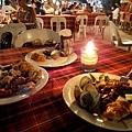 """菜色都是當地風味,魚肉都有,是""""吃粗飽&quot..."""