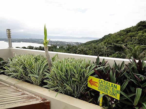 指標告訴你,左手邊方向是卡地可蘭機場方向+一些島
