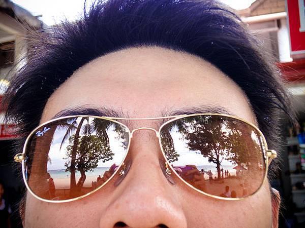 映在墨鏡上的風景