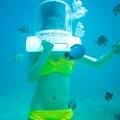 但在水中依然有3KG重,所以還是需要扶著! 小魚好可愛!!...
