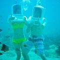 海底漫步叫做Helmet~在長灘挺流行的
