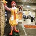 連麥當勞都會有配槍保全,治安是否令人擔心