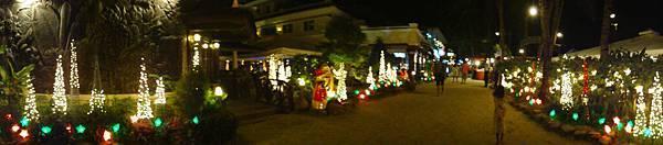 整個Mandarin的街道都布置滿滿聖誕裝飾