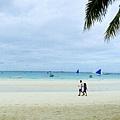 太早了....加上天氣不好,沙灘上真的沒什麼人