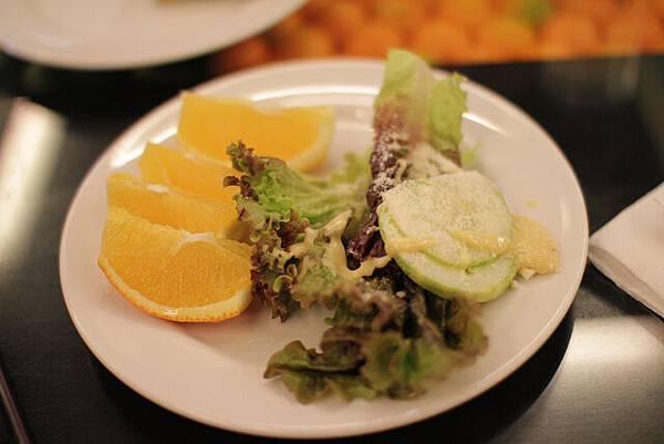 出國玩很容易少吃了蔬菜,趁早餐補充吧