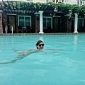 回飯店游泳~