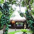 大大的茅草屋就是Mandala接待廳