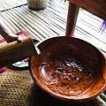 洗腳儀式開始---從竹筒道出溫水 好清脆的聲音