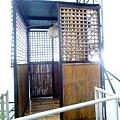 就是這個竹製的電梯,很屌!!搭乘一定要有飯店人員啟動