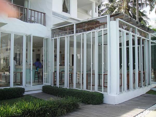透明玻璃屋是一切的開始~幫你check in~讓你休息~