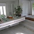 每間房間都配有兩個洗手台~