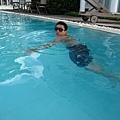 因為好熱~又撲通跳到水裡