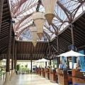 蘇美機場就是完全走一個熱帶島嶼國家的度假路線