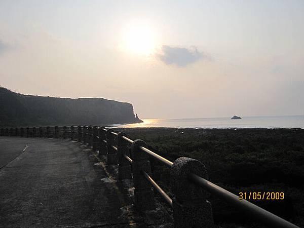 離開朝日~回成第一個經過孔子岩~很小的孔子