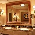 浴室美呆 還兩個洗手檯是怎樣
