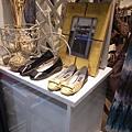 好美的2雙鞋.....價格好嚇人!